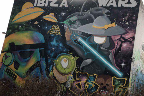 ibiza street art private tour by bike 595749